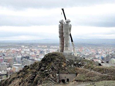Суд оштрафовал президента Турции Эрдогана на $4 000 за оскорбительное высказывание о памятнике