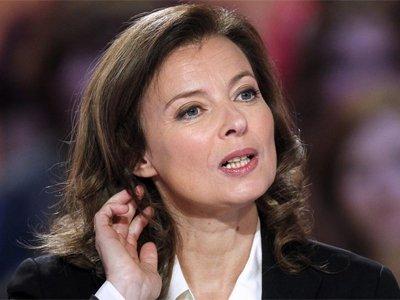 Против экс-подруги Франсуа Олланда подали жалобу за пощечину