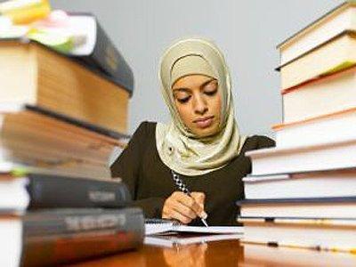 Немецкий суд разрешил учителям носить хиджаб