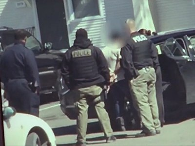 В США арестовали мать, чьих детей нашли в холодильнике
