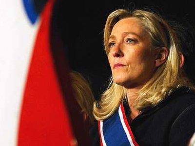 Во Франции против Марин Ле Пен начато расследование из-за публикации фото жертв ИГ