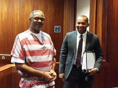 В США оправдали мужчину, 30 лет ожидавшего казни за преступление, которое не совершал