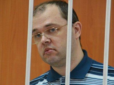 Суд, сняв с мэра Бердска обвинение по одной статье, приговорил его к 10 годам и штрафу 500 млн руб.