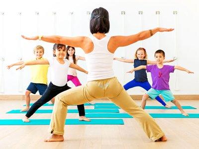 Американский суд разрешил йогу в начальной школе