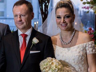 СКР требует лишить иммунитета думца-юриста, только что женившегося на певице Марии Максаковой