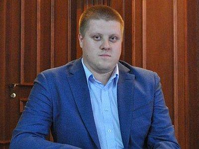 30-летний выпускник двух юрфаков ушел с должности администратора арбитражной кассации в УСД