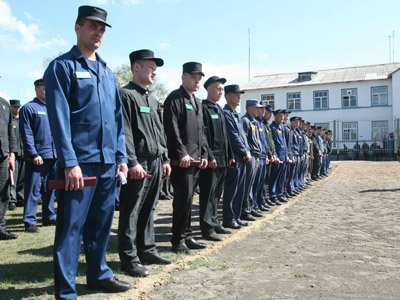 Минюст хочет ликвидировать в российских колониях бараки на 50–100 осужденных – поправки в УИК