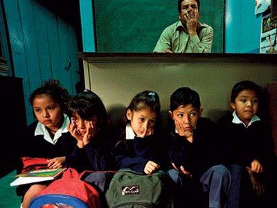 Суд в Мексике обязал школу выплатить ученице компенсацию за издевательства
