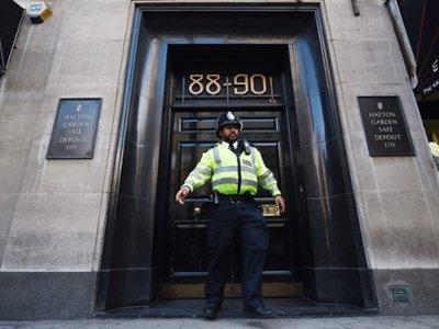 В Великобритании предъявлены обвинения банде пенсионеров, совершившей громкое ограбление банка