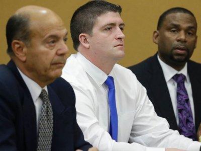 Суд в США оправдал полицейского, расстрелявшего двух афроамериканцев