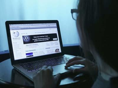 """Роскомнадзор сохранил российским пользователям доступ к """"Википедии"""", сославшись на ФСКН"""
