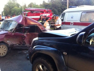 В ДТП с Toyota Land Cruiser судьи облсуда погиб водитель