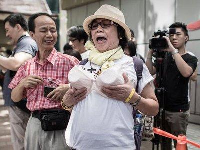 Демонстрантка получила срок за обвинение полицейского в сексуальном домогательстве
