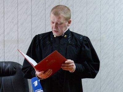 Судья, оправдавший фотографа Лошагина в убийстве жены-модели, подал в отставку