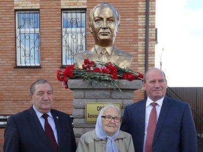 В Татарстане увековечили память Александра Орлова, 12 лет возглавлявшего Верховный суд РСФСР