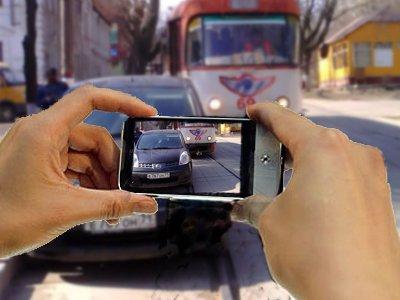 Столичная ГИБДД вычислит агрессивных водителей по наклейкам на автомобилях