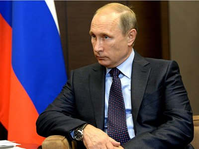Путин сократил 17 генералов МЧС, СКиМВД