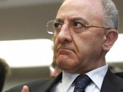 Губернатора итальянской области Кампания заподозрили в подкупе судьи