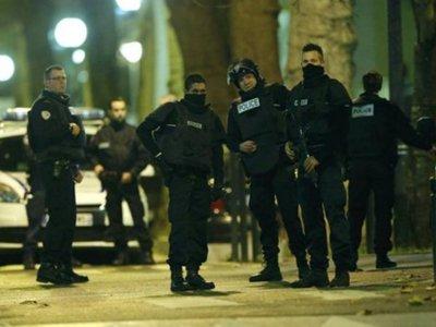 В США на Twitter, Google и Facebook подали в суд из-за терактов в Париже