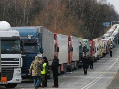 Водители грузовиков взбунтовались против новых тарифов