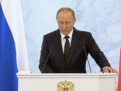 Путин попросил продлить действие программы маткапитала еще на два года