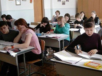 Прокуратура запретила не пускать школьников на уроки из-за отсутствия формы