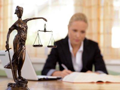 Менее 30% участников правовых споров в Великобритании прибегают к помощи юристов