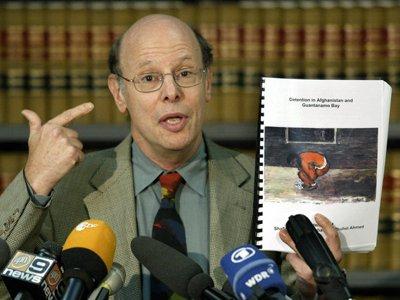 Защищавший Ассанжа адвокат скончался в США в возрасте 72 лет