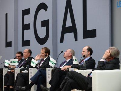 """""""Законодательство стало технологически свободным"""": готовы ли юристы к прорывным технологиям"""