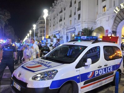 Во Франции в результате теракта погибли более 80 человек