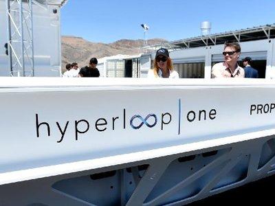 Компания Hyperloop One подала в суд на своего основателя