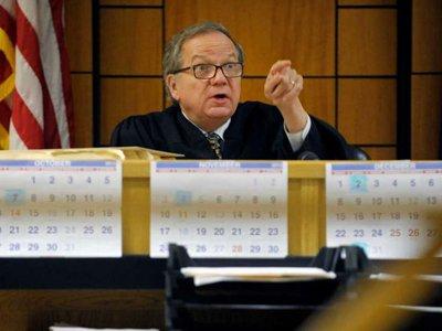 """В США судья подал в отставку из-за """"предвзятого отношения"""" к прокурорам"""