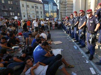 Австрийская Республика хочет наказать Венгрию заотказ принимать мигрантов