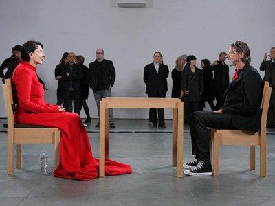 Суд Нидерландов обязал художницу Марину Абрамович выплатить €250 000 ее бывшему соавтору