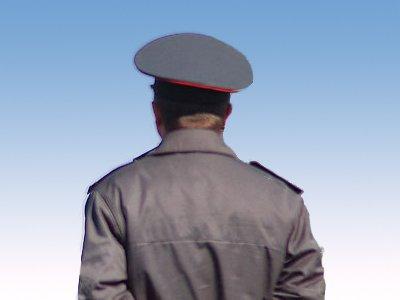 Использовав свое служебное положение, сотрудники милиции потребовали 100 000 рублей