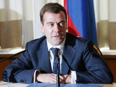 Медведев дал аспирантам отсрочку от армии