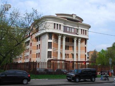 """Столичный чиновник за """"откат"""" в 1,5 млн руб. от охранников получил 3 года"""