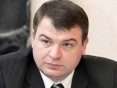 """Дело """"Оборонсервиса"""", стоившее кресла Сердюкову, пахнет керосином"""