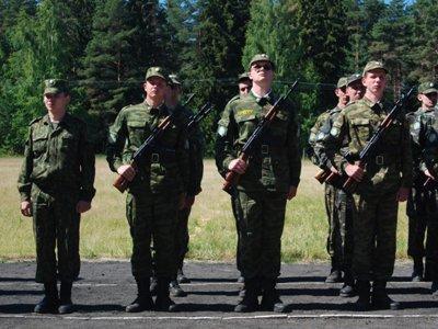 """В ФСБ, внешней разведке и армии создадут отряды добровольцев-резервистов """"на окладе"""" - законопроект"""