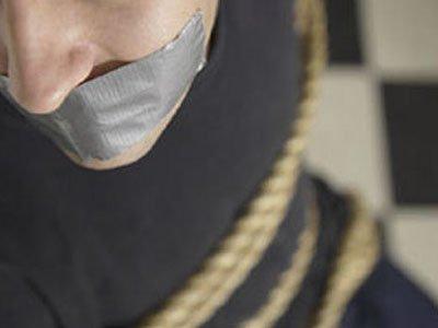 В Москве задержан инспектор ГИБДД, похитивший и посадивший в погреб мужчину из-за долга почти в 880000 руб.